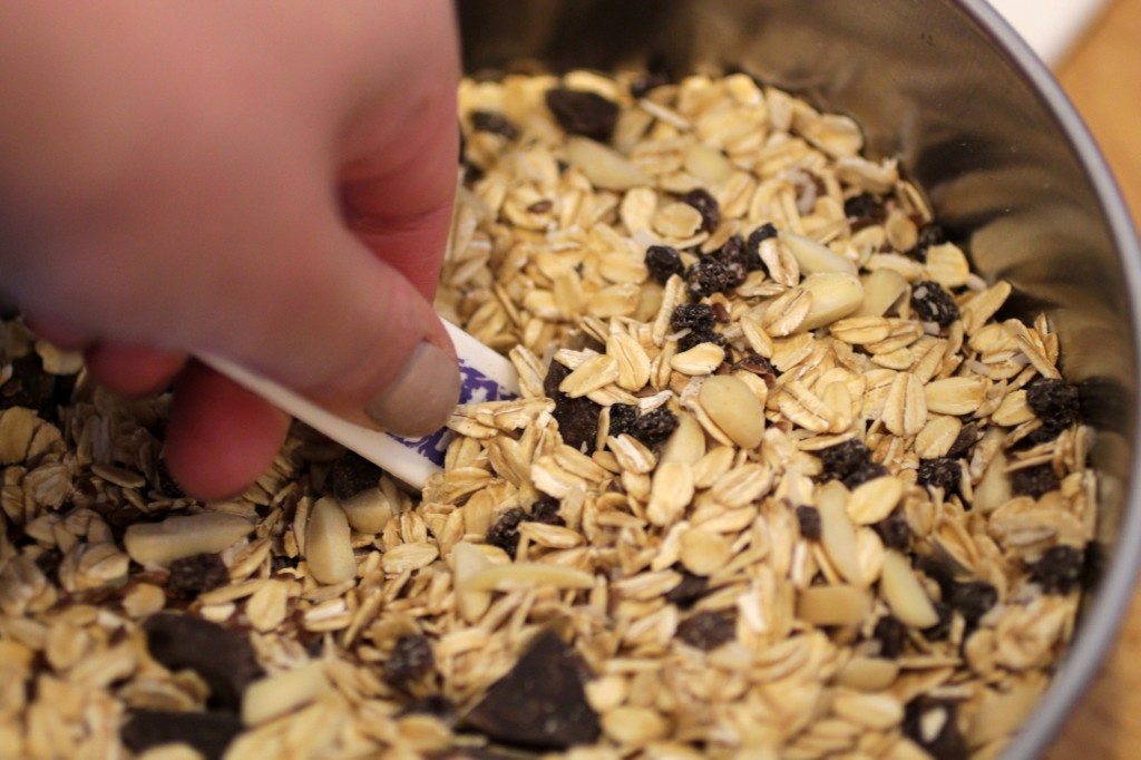 measuring flax seed for delicious granola bars