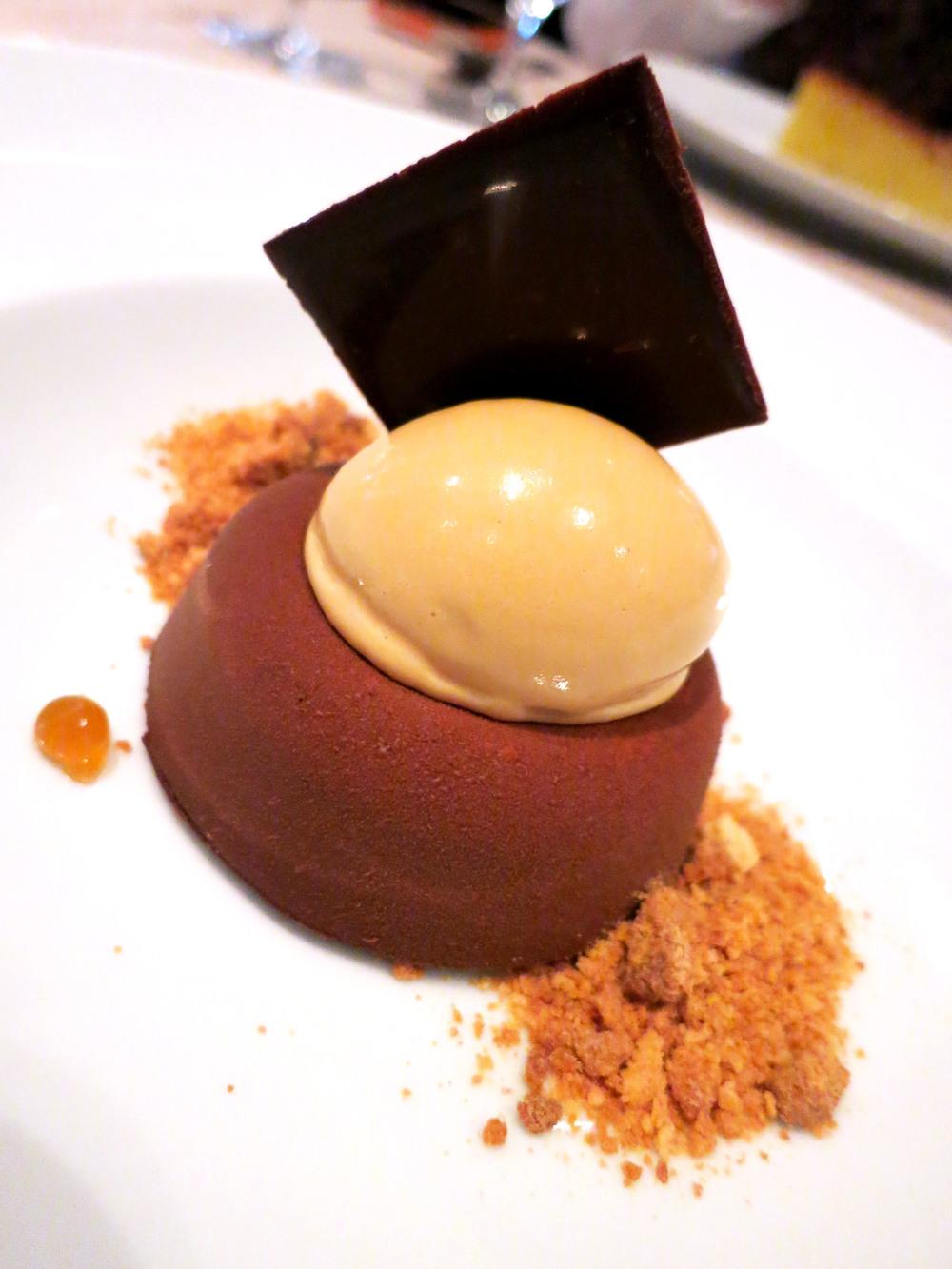 Budino di CioccolatoDark Chocolate Cremeux, Amaretti, Caramel Gelato