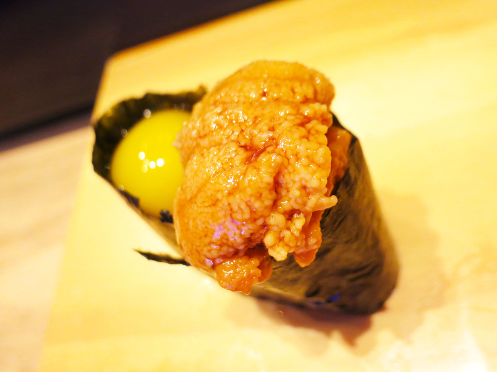 Uni with quail egg