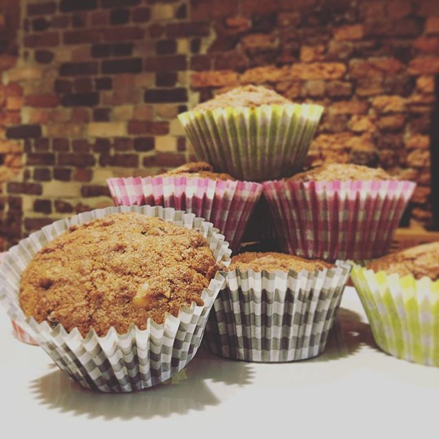 Food of the week: cranberries! High in polyphenols, cranberries may reduce the risk of cardiovascular disease. Today we've baked them into these delicious cranberry and macadamia gluten free cupcakes #nourishrealfood #foodoftheweek #glutenfree #nutritionist #naturopath #eatlocal #ipswicheats
