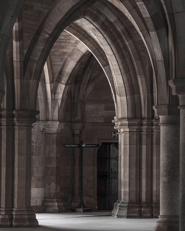 Glasgow University, An Architectural Editorial ⠀⠀⠀⠀⠀⠀⠀⠀⠀ Last year I spent 10 days traveling through Scotland and Wales in a campervan, and Glasgow, Scotland was my first stop. I spent an entire day scouring the city's stone-laden streets and perusing it's architectural art. ⠀⠀⠀⠀⠀⠀⠀⠀⠀ Glasgow University captured my attention before I set foot in Scotland and did not disappoint. It's arched doorways, stone pathways and human-dwarfing Cathedral was one for the books and certainly a highlight of my trip. ⠀⠀⠀⠀⠀⠀⠀⠀⠀ See the full post on my site or a brief view by swiping right.