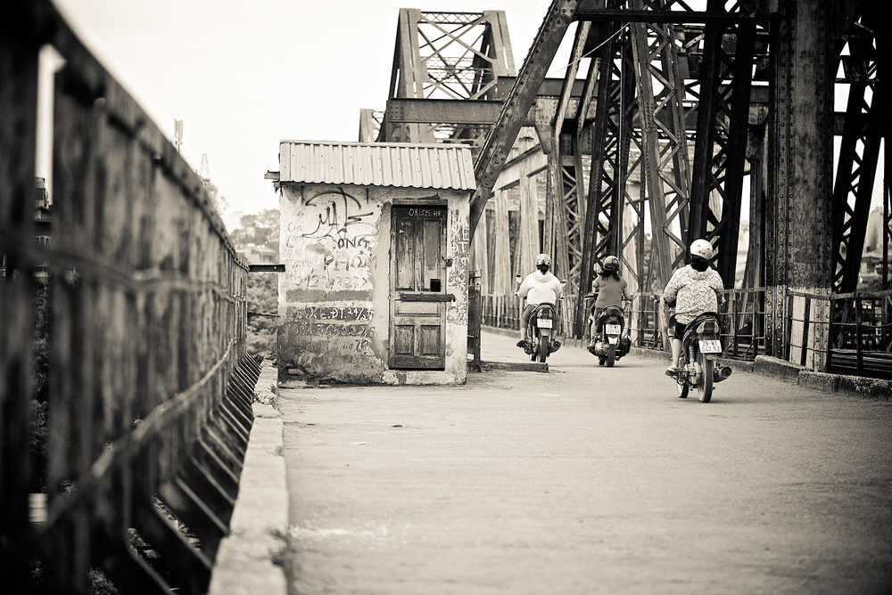 long bien bridge, hanoi, vietnam