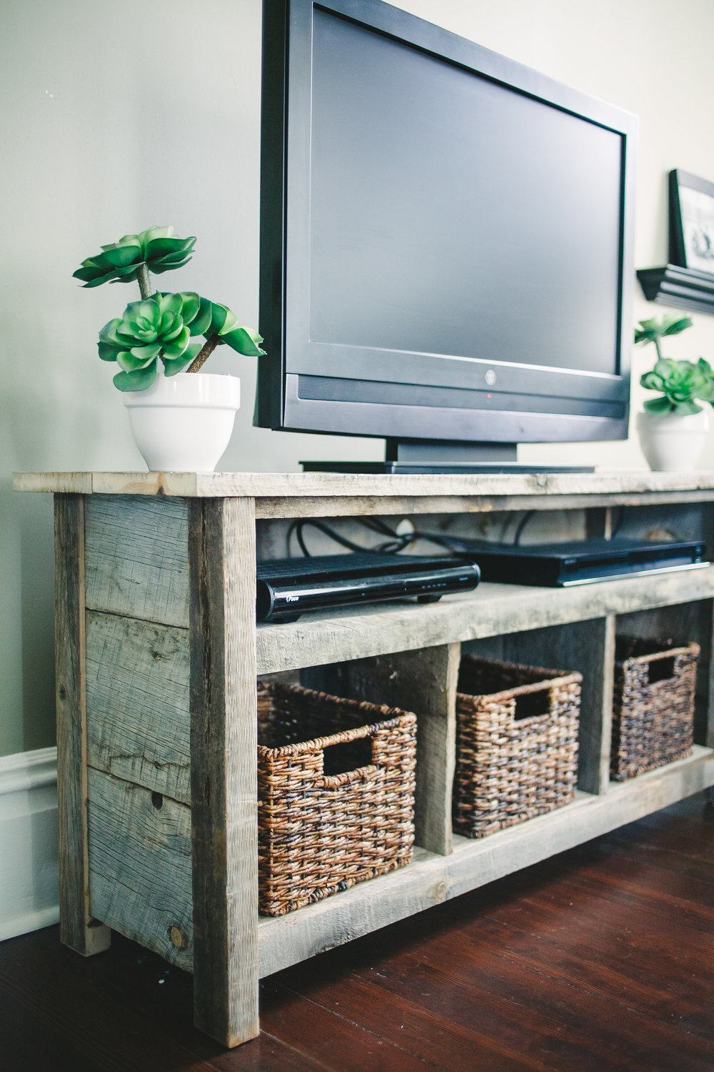 Reclaimed pine wood TV stand.