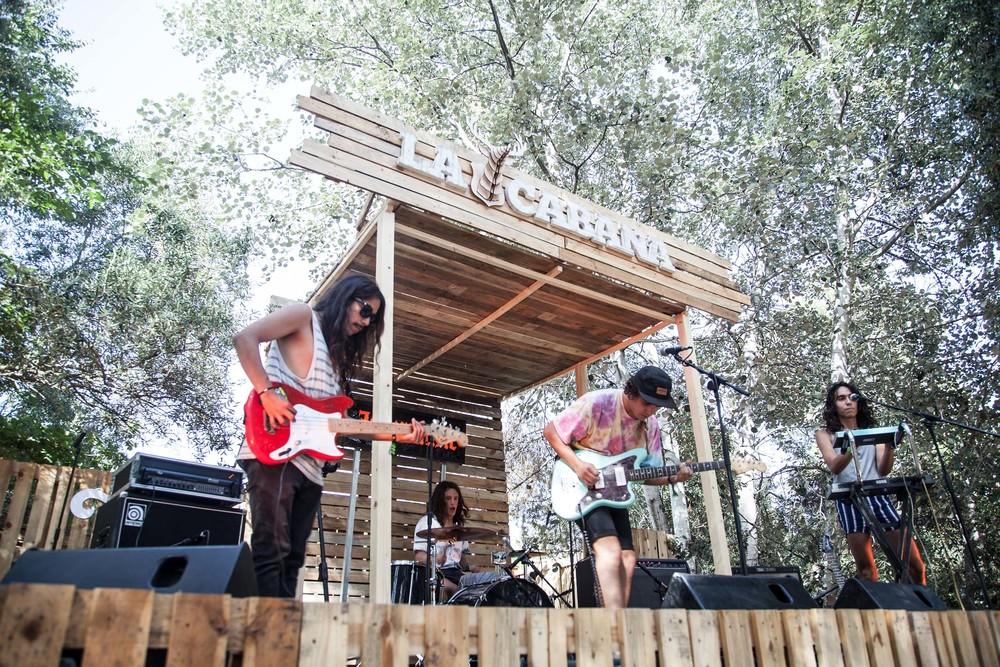 16_The Zephyr Bones_Vida Festival_La cabana.jpg