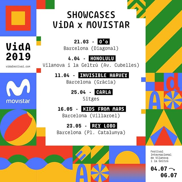 Després de l'èxit de la propostaen la passada edició, Movistar s'uneix de nou al VIDA amb la música en directe en els Showcases VIDA x Movistar. Un cicle de concerts exclusius, íntims i gratuïtsprotagonitzats pertalents emergents del pop, el folk, el rock i l'electrònica independentnacional. Durant els mesos de març, abril i maig, el festival sortirà dels seus espais habituals per a arribar a les botigues Movistar de Vilanova i la Geltrú, Sitges i Barcelona.#ShowcasesVIDAxMovistar #VidaFestival2019  Per assistir als concerts, gratuïts però amb aforament limitat, noméshas de recollir la teva entrada a la botiga Movistar on se celebrarà el showcase des d'una setmana abans del mateix. A més de les invitacions, els assistents als showcasesaconseguiran una tote bag oficial del festival.