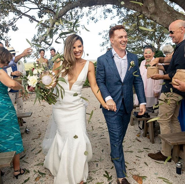This was an incredible day ✨💫 filled with love and support from family and friends under a huge figtree!  So grateful to have beautiful friends contribute to making our wedding extra meaningful @susiebethgeorge for capturing our day 📷 and @marielouiseworldis bring our ceremony to life with so much from the heart! ❤️ #justmarried