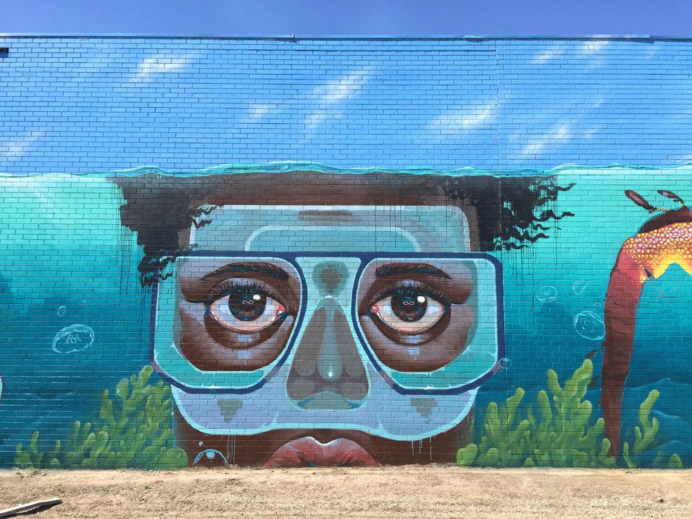 Júlia BOTH | Mural for O-I Glass