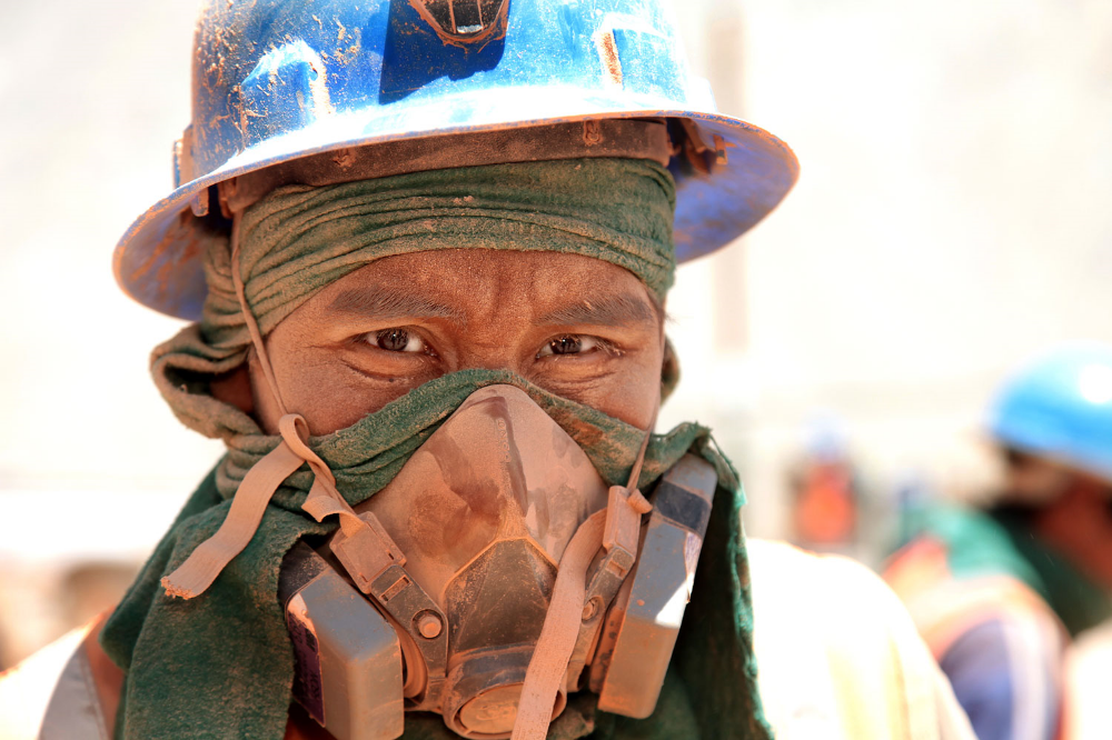 fairtrade-gold-miner-peru