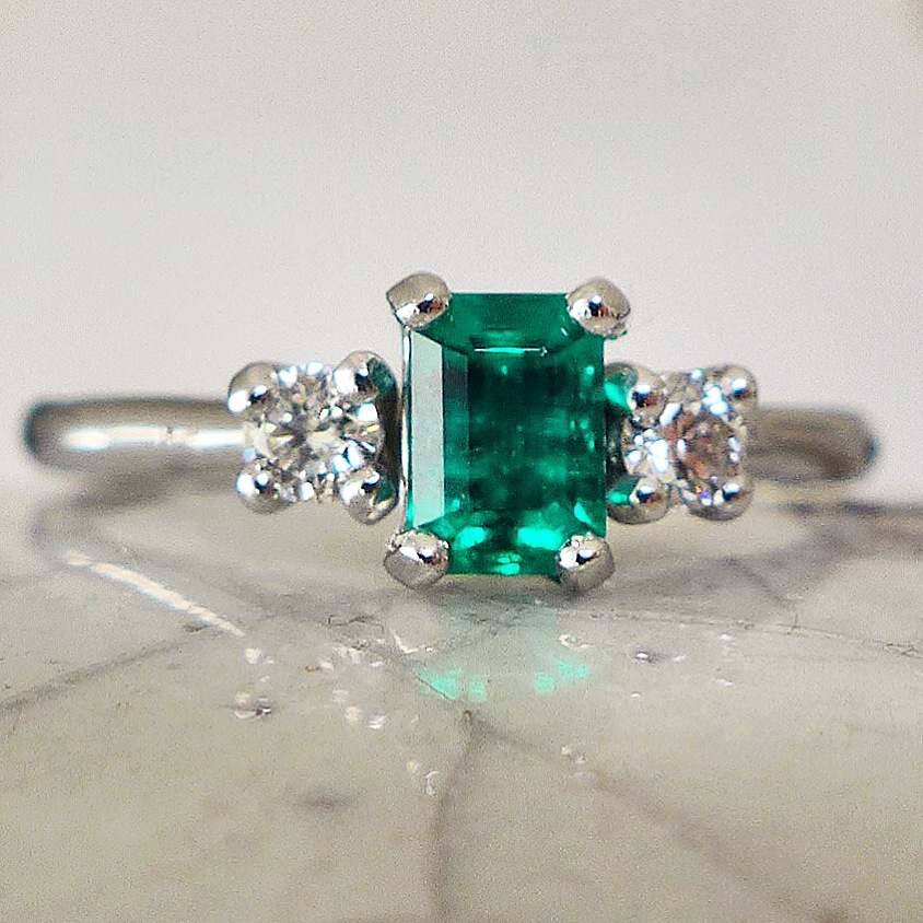 emerald-engagement-ring.jpg