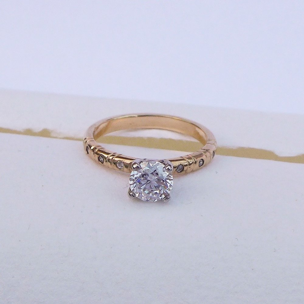 bespoke-engagement-ring