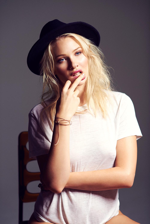 Emma-Leigh037112.jpg
