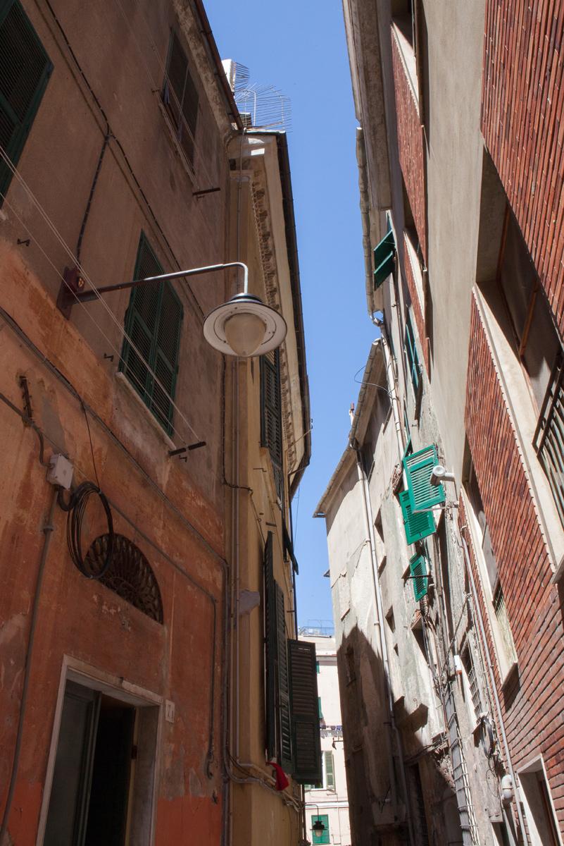 Caruggi, Genoa Italy, alketamisja photography, 2016