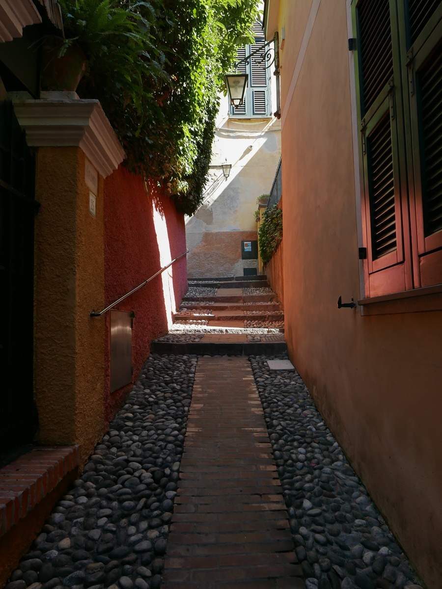 Narrow street in Portofino, Italy, alketamisja photography 2016