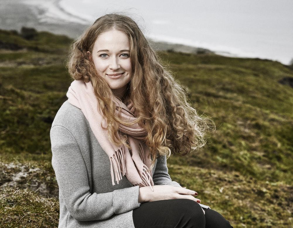 Hjemmet - Anette Løkken Sørensen /  Andrea Øst Birk får sin debuet i Badehotellet 3 sæson. Hun skal spille Kitty Hansen som er skuespiller elev.