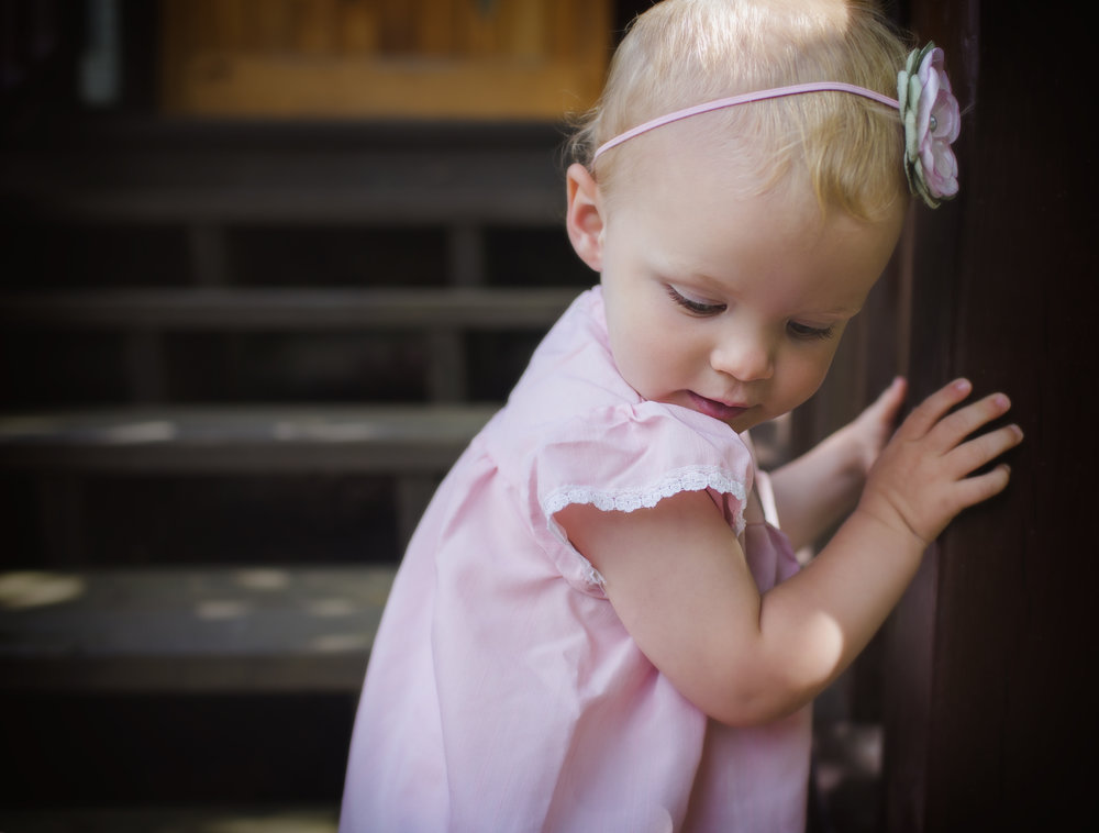 gorgeous-little-girl-pink-dress