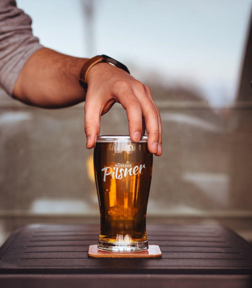 ss_beer glass mockup.jpg