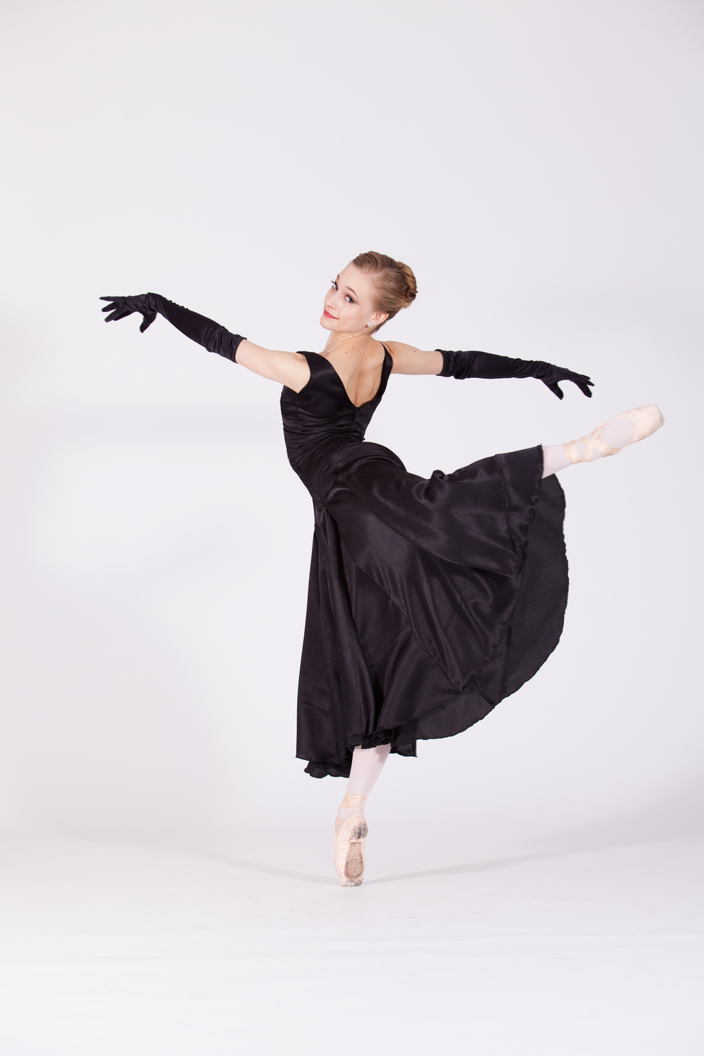 BALLET 5:8 LEAD ARTIST LAUREN ADER-CUMPSTON IN   MUSINGS