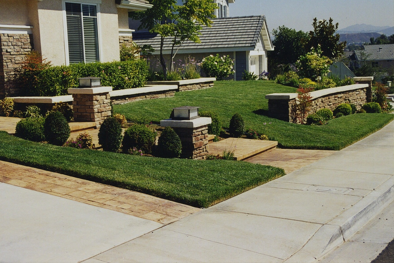 Walls and Sofstacpe.jpg - FAQ — Thousand Oaks Landscaping — Green Horizon Landscaping, Inc.