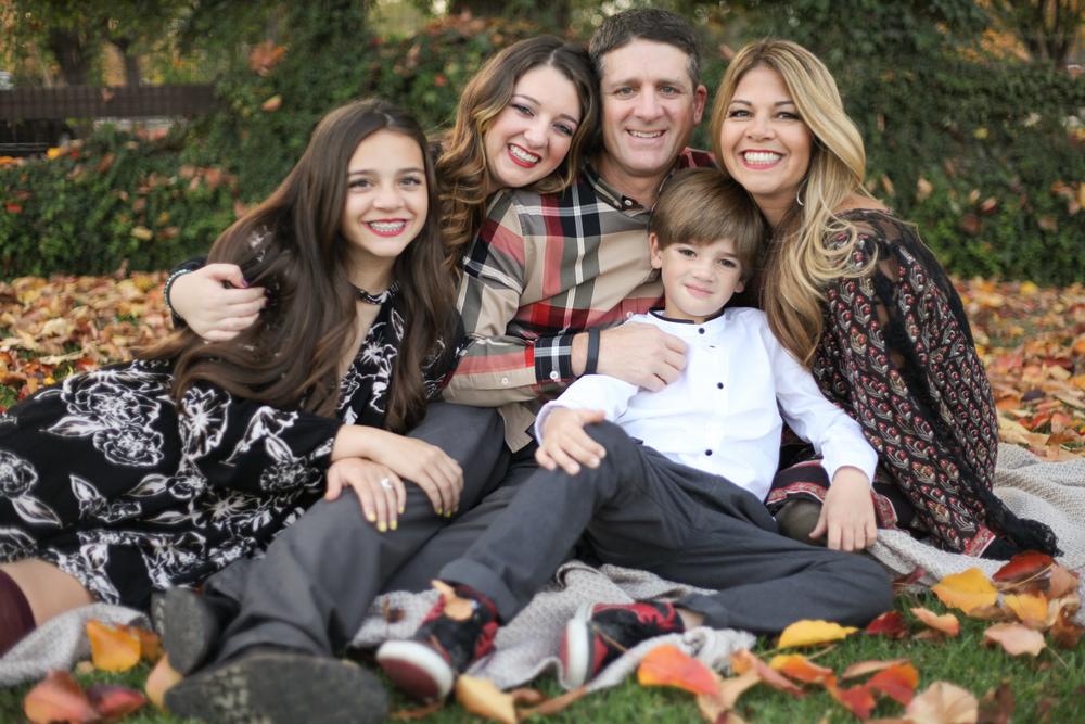 11-29 Gianis Family-5842.jpg