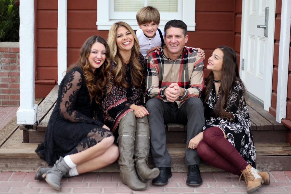 11-29 Gianis Family-5750.jpg