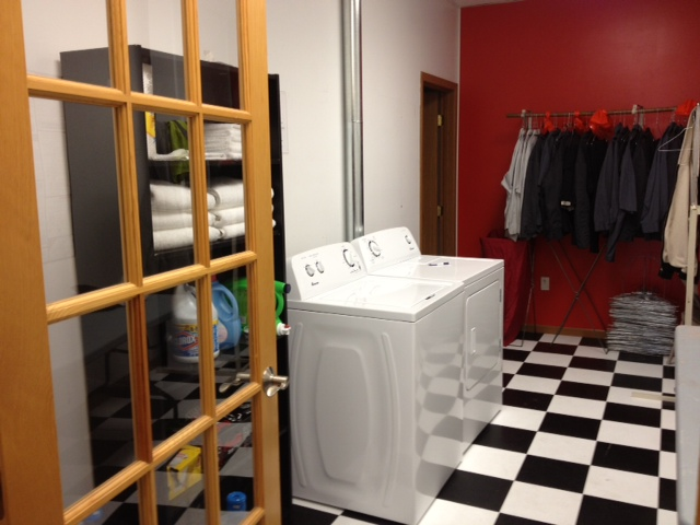 truck stop laundry room
