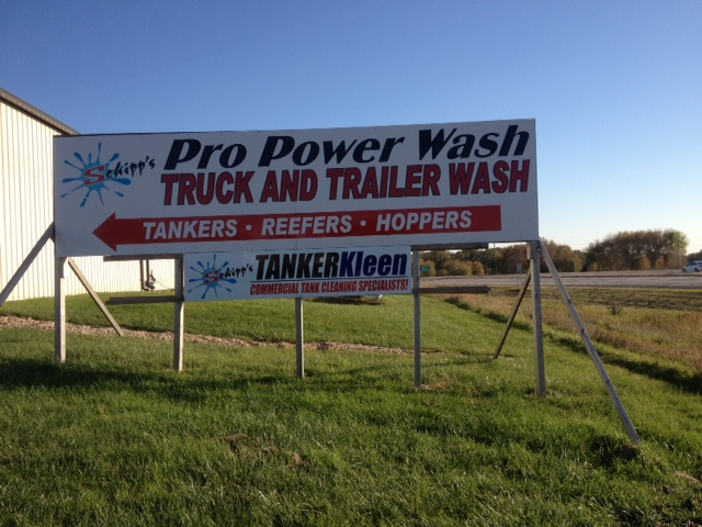 truck and trailer wash sign