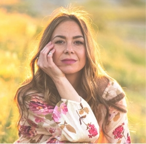 Eleni Meraki Profile.jpg