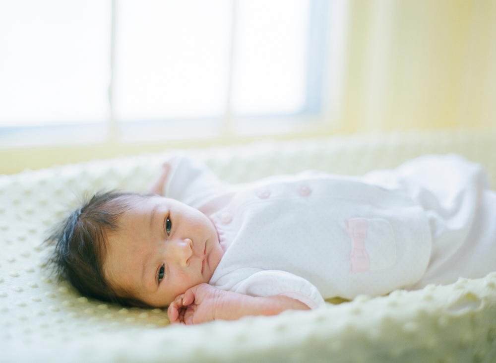 lifestyle-newborn-session-photography-007.jpg