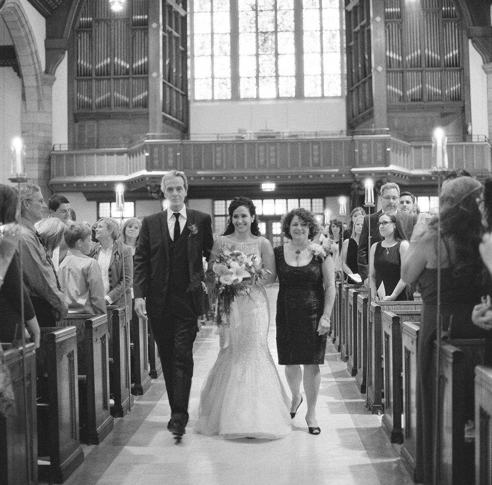 wisconsin-barn-wedding-014