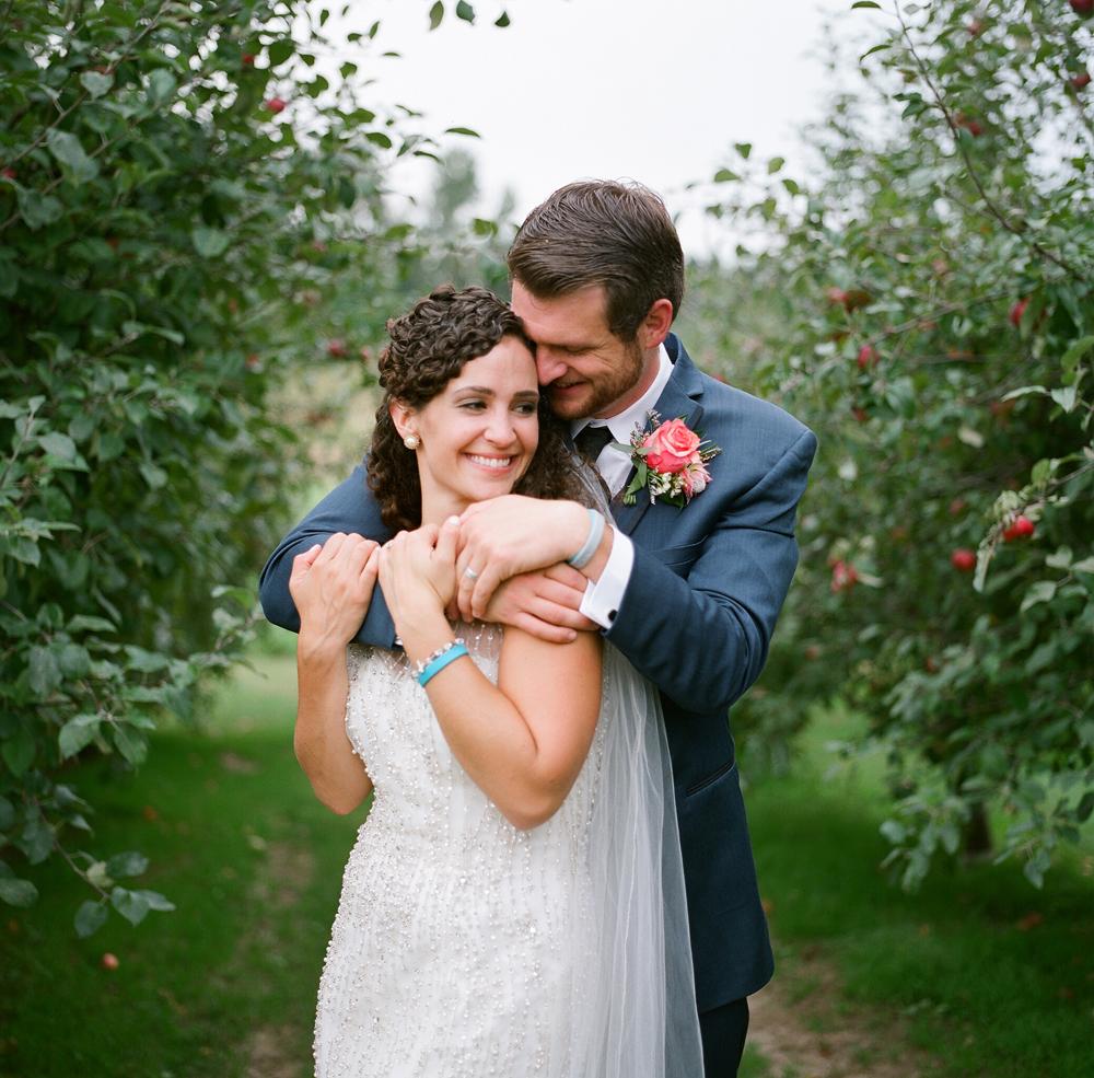 wisconsin-barn-wedding-033