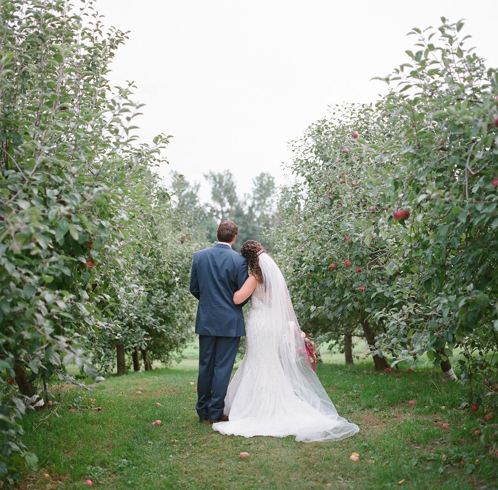 wisconsin-barn-wedding-035