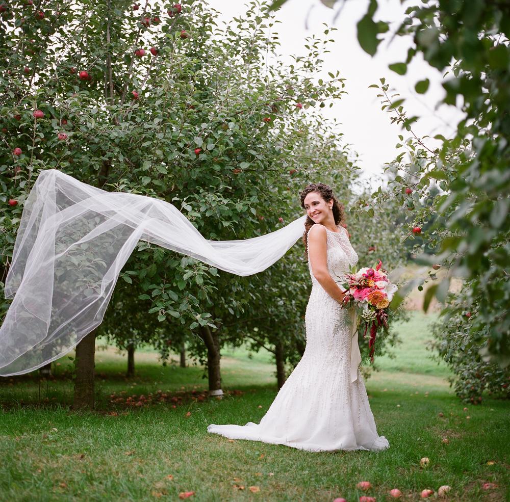 wisconsin-barn-wedding-041