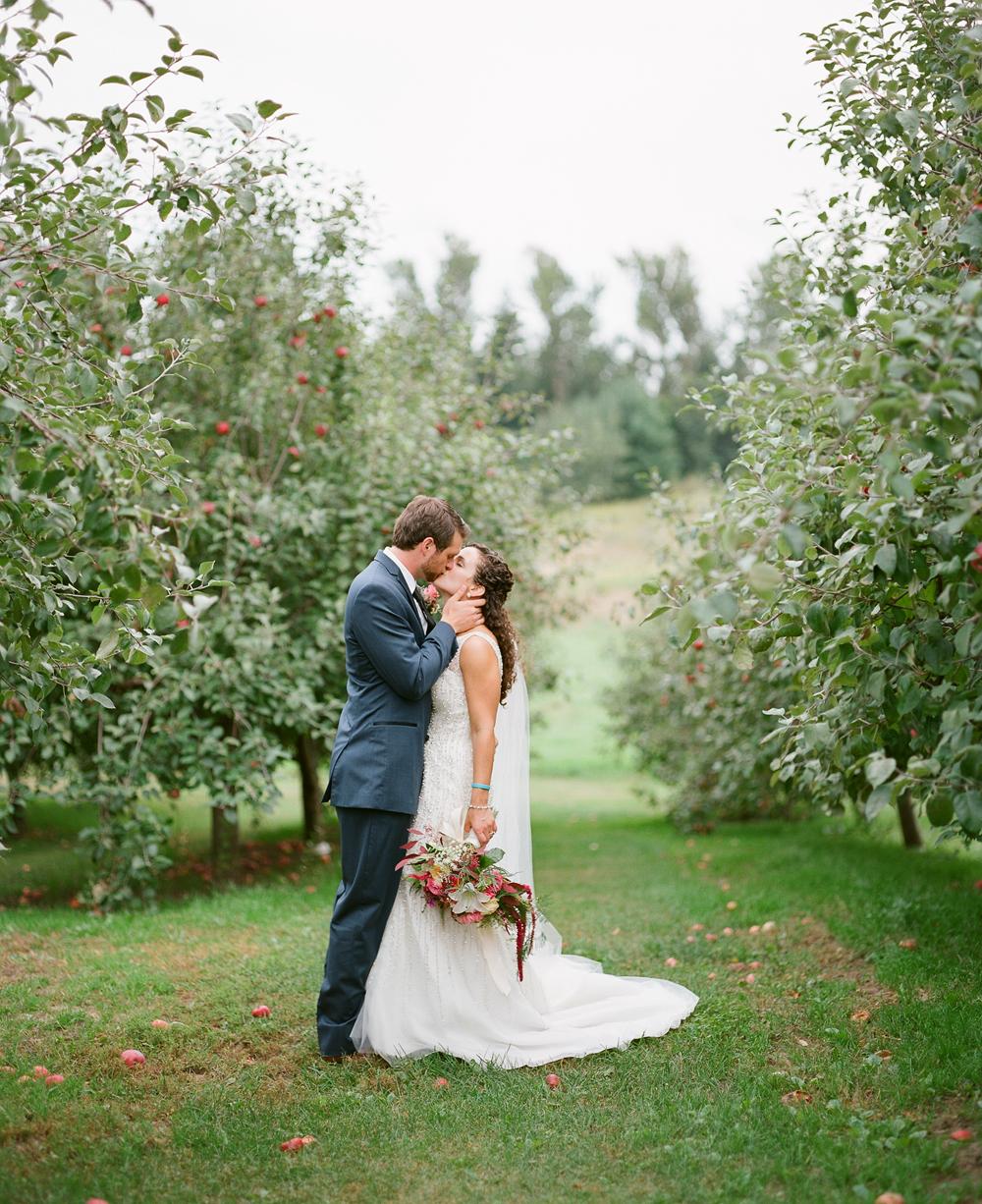 wisconsin-barn-wedding-042