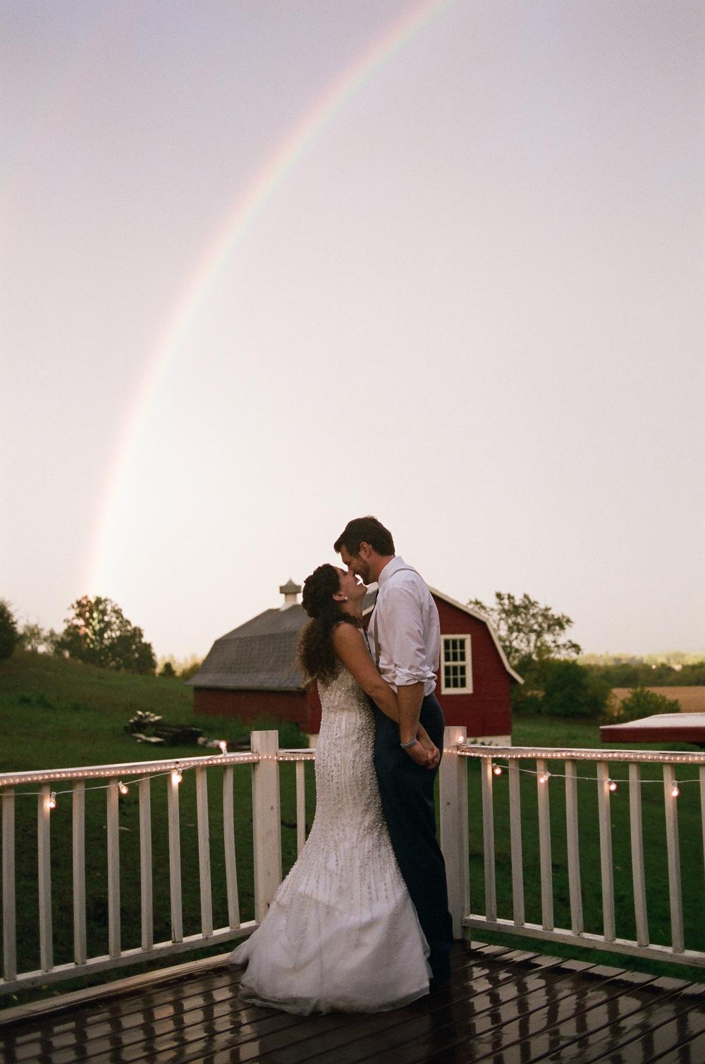wisconsin-barn-wedding-057