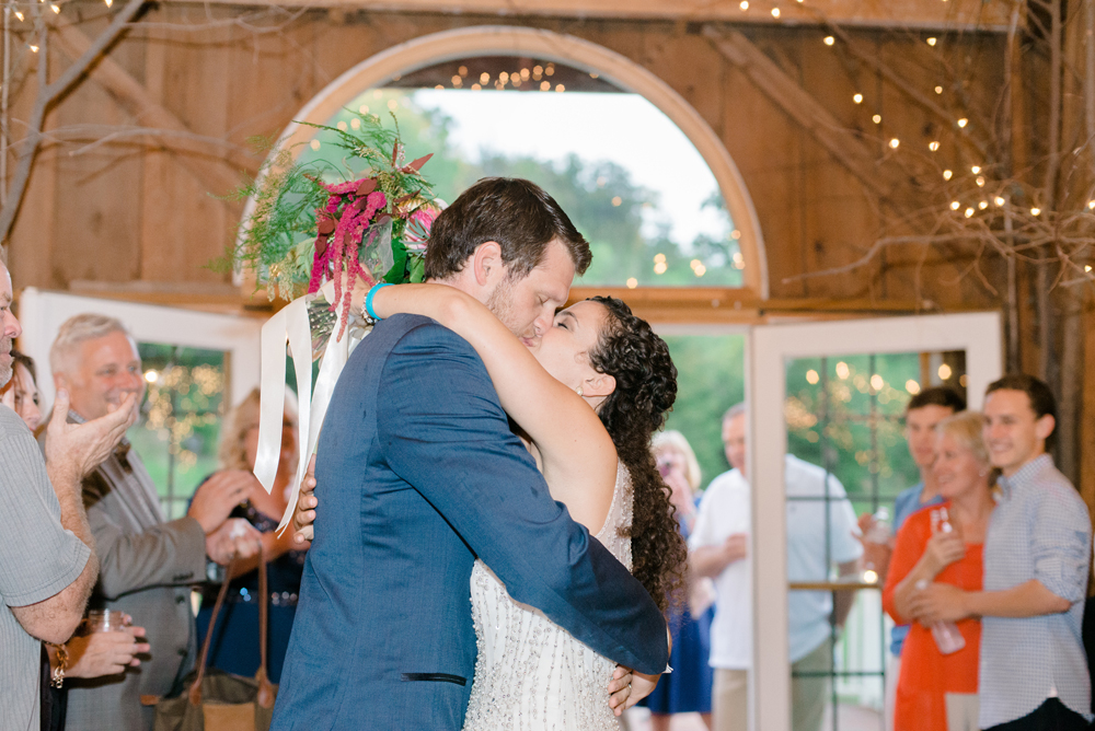 wisconsin-barn-wedding-064