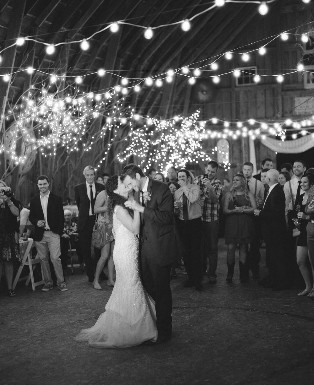 wisconsin-barn-wedding-066