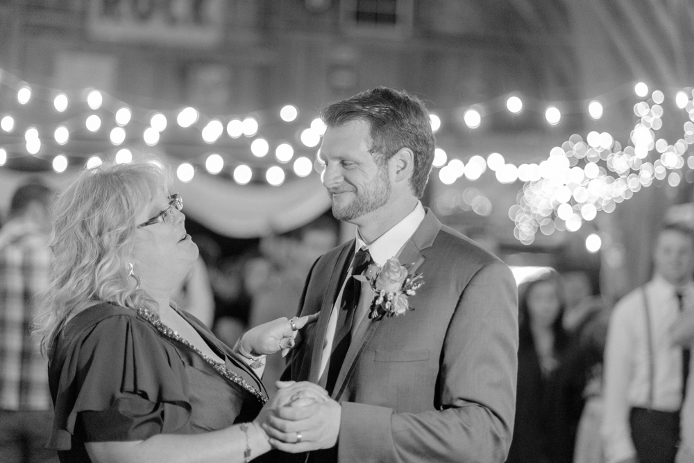 wisconsin-barn-wedding-068