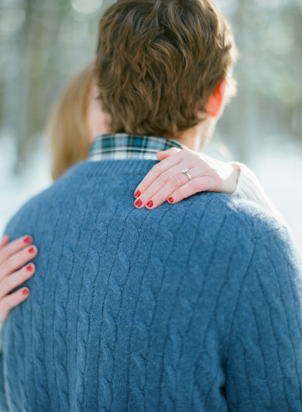 winter-engagement-photos-wausau-001