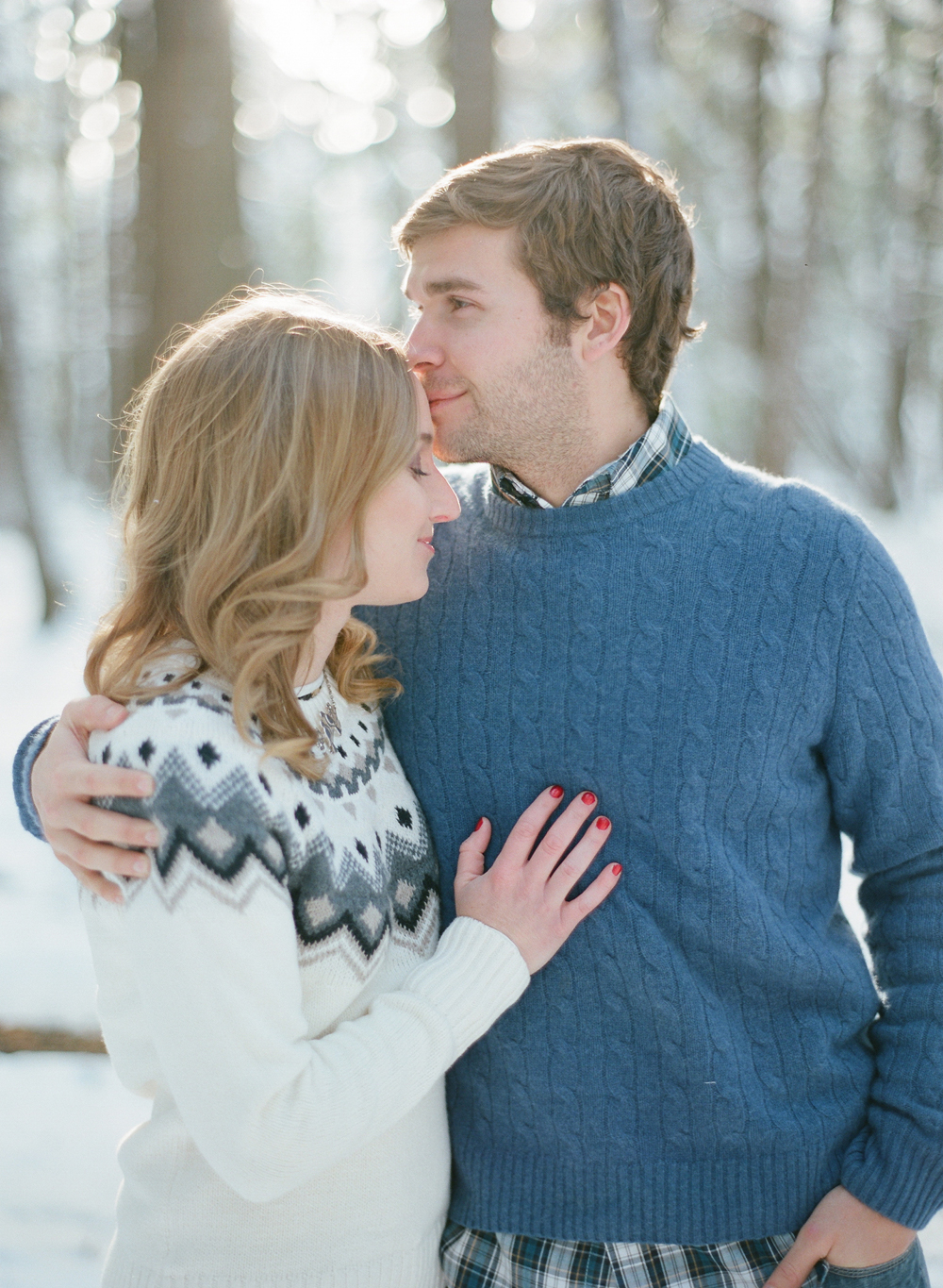 winter-engagement-photos-wausau-004