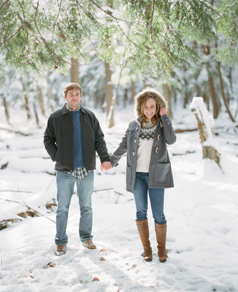 winter-engagement-photos-wausau-003