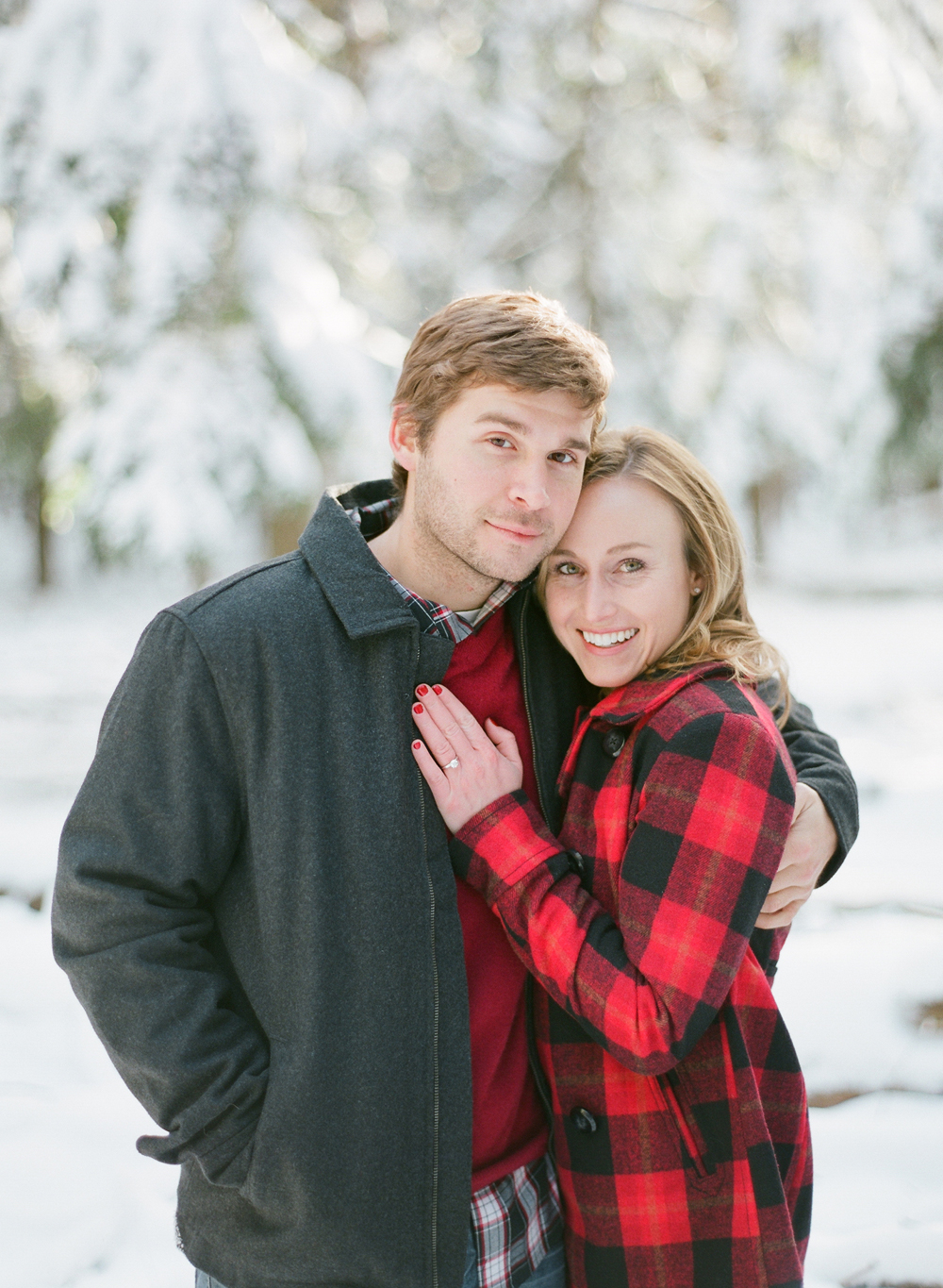 winter-engagement-photos-012