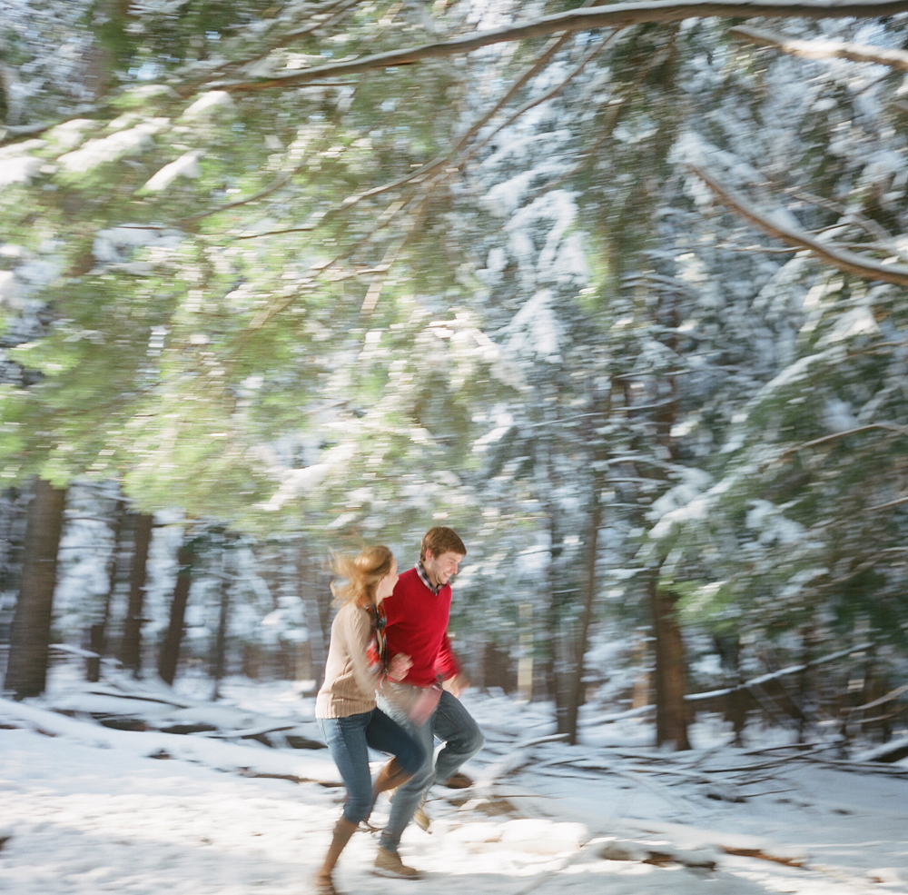 winter-engagement-photos-wausau-019
