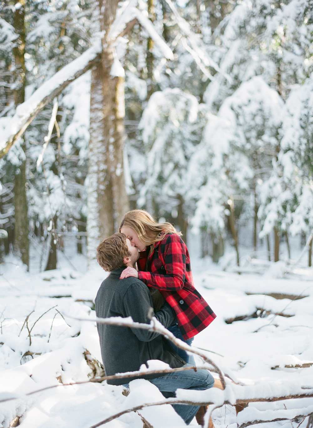 winter-engagement-photos-020