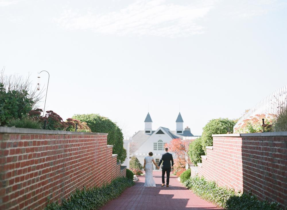blue-dress-barn-michigan-wedding-021