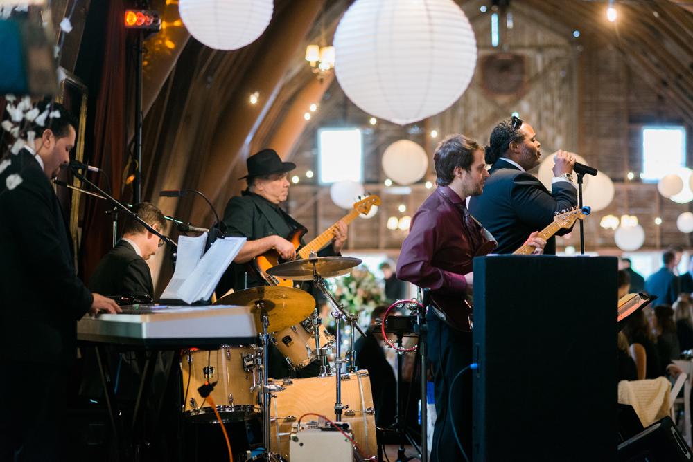 blue-dress-barn-michigan-wedding-085