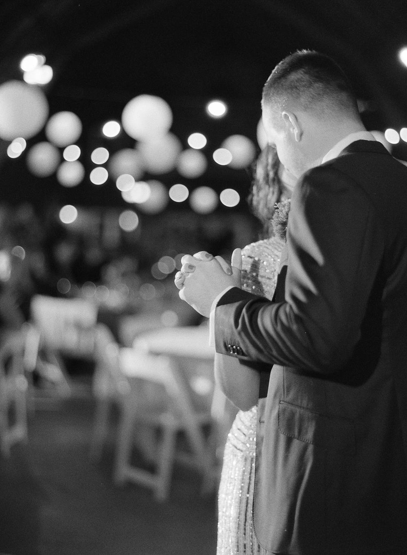 blue-dress-barn-michigan-wedding-094