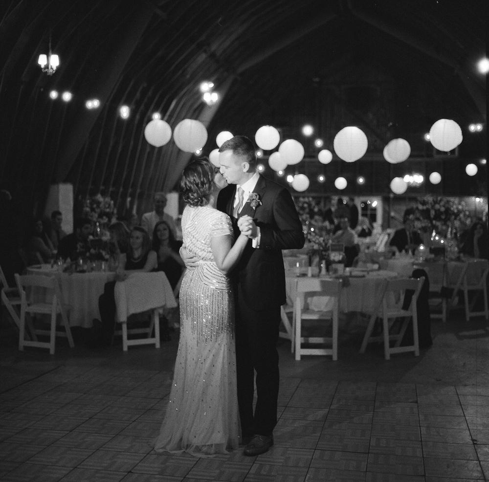 blue-dress-barn-michigan-wedding-095