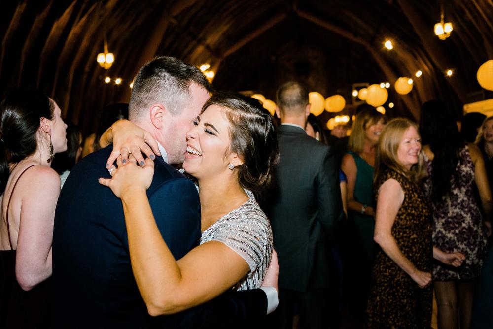 blue-dress-barn-michigan-wedding-103