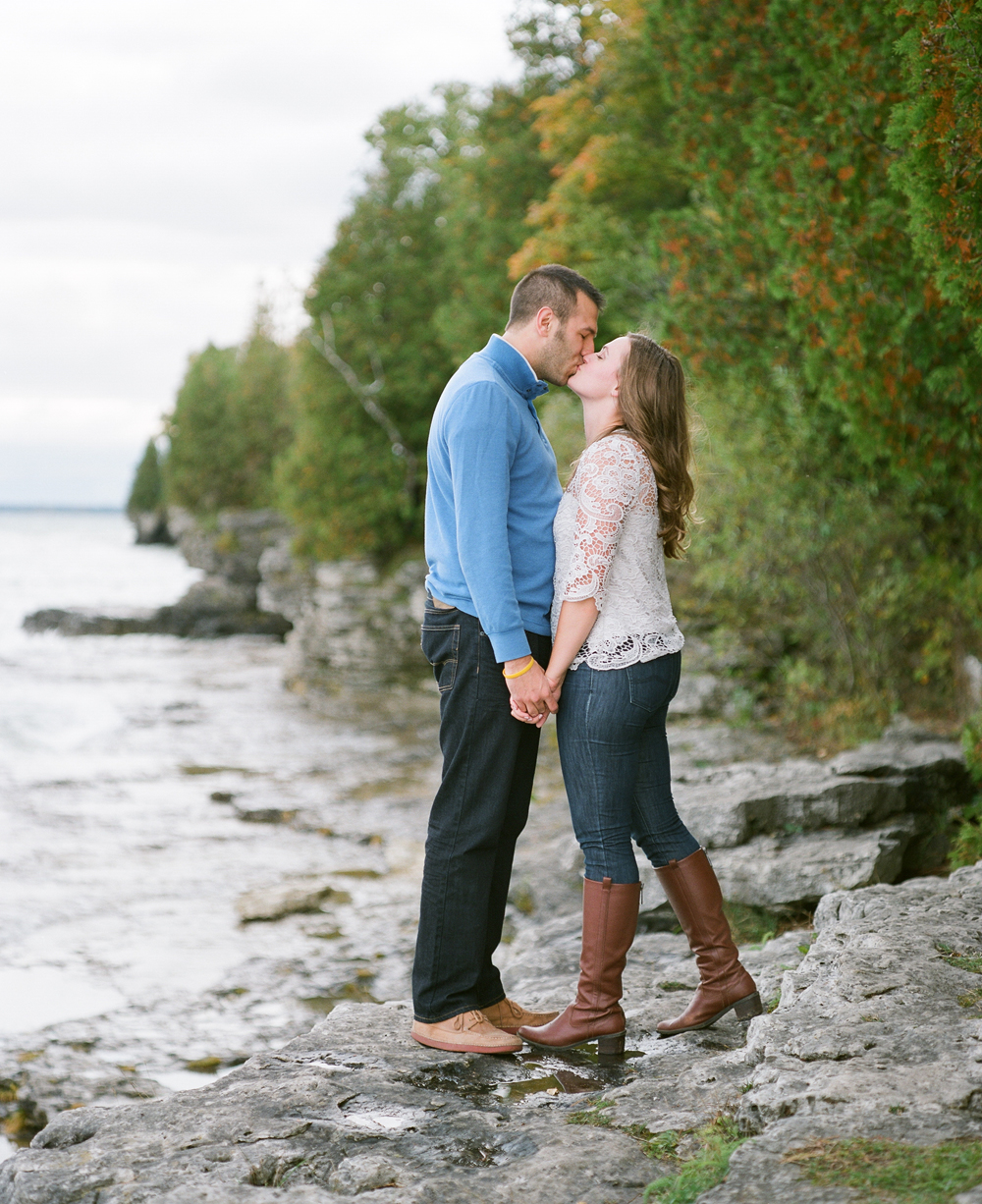 door-county-engagement-photos-008