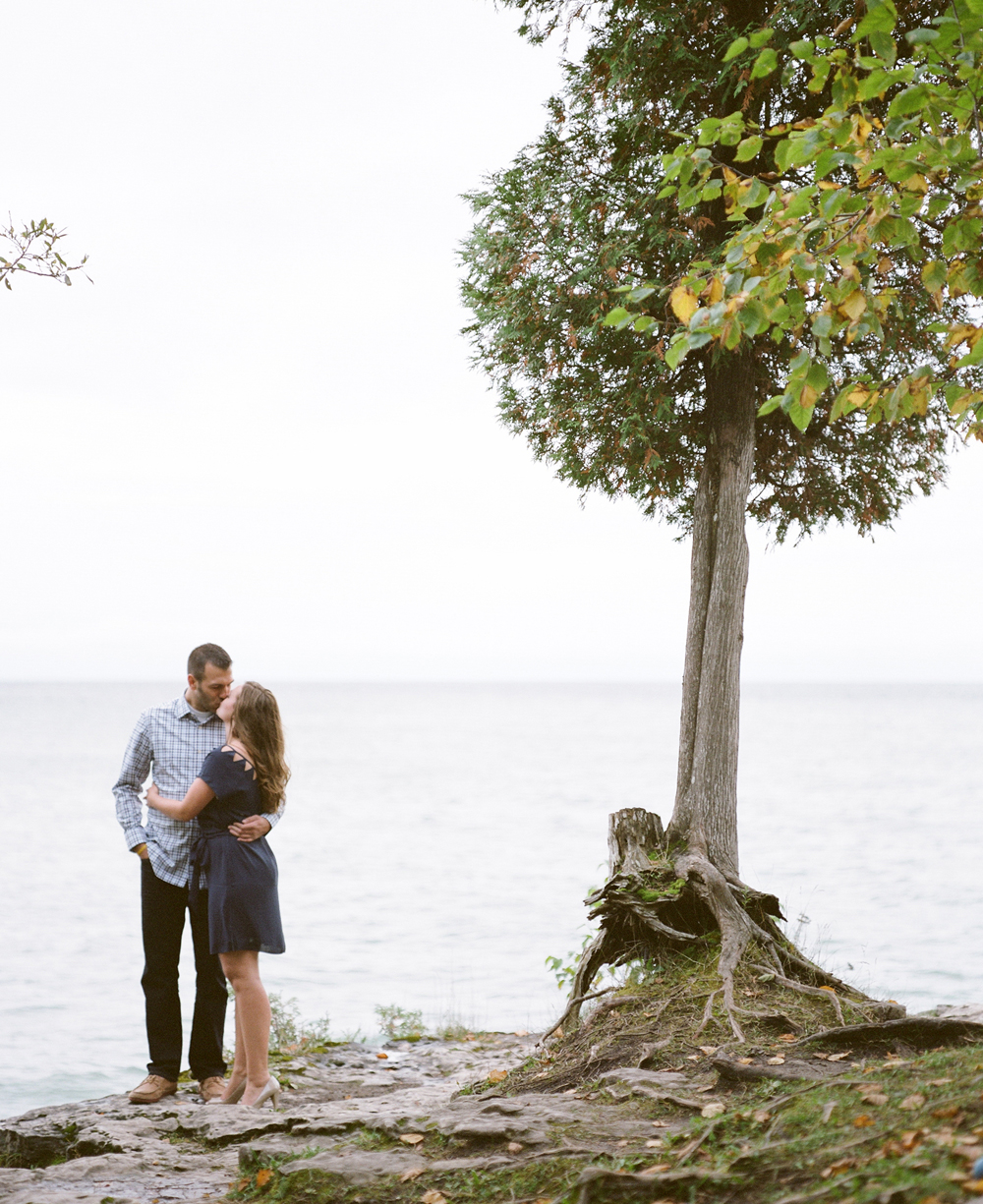 door-county-engagement-photos-019